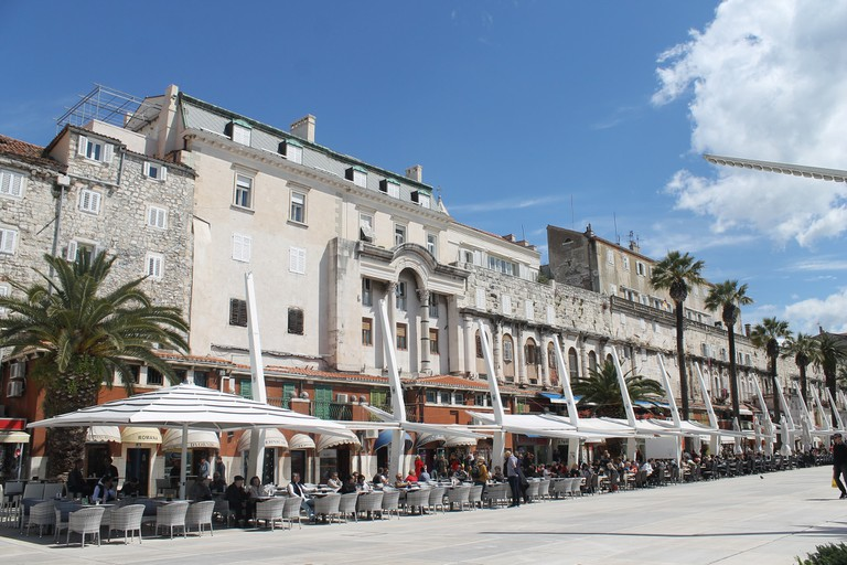 Café-lined Riva, Split   © Connie/Flickr