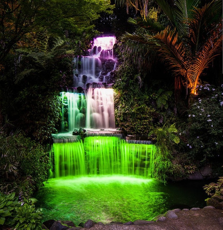 Pukekura Park Waterfall | ©russellstreet / Flickr