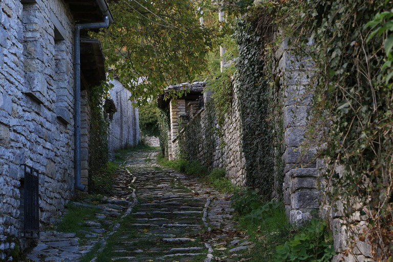 Small alley in Monodendri, Zagori