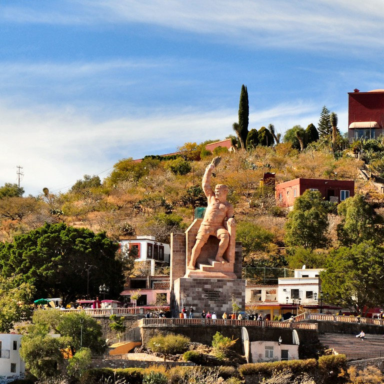 El Pipila looks over Guanajuato