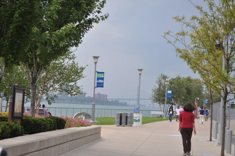 Detroit Riverwalk | © Michigan Municipal League/Flickr