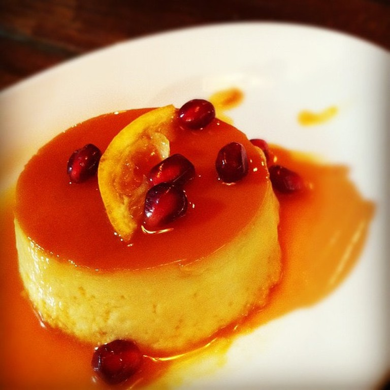 Flan with pomegranate