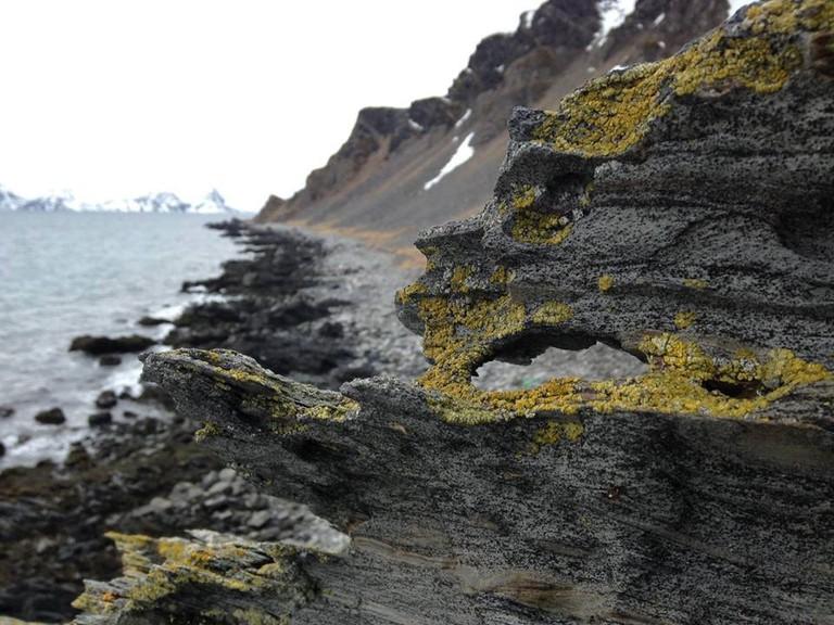 A hike in the shoreline at Magerøya Island | © Ann Kristin N Samuelsen, Courtesy of Visit Nordkapp