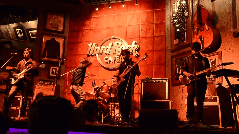 Balalaika (Pune) performing live at Hard Rock Cafe, Pune