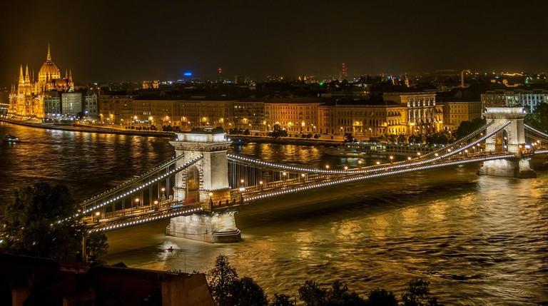 budapest-525857_1280