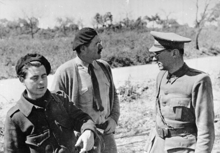 Hemingway (centre) in Spain during the Spanish Civil War