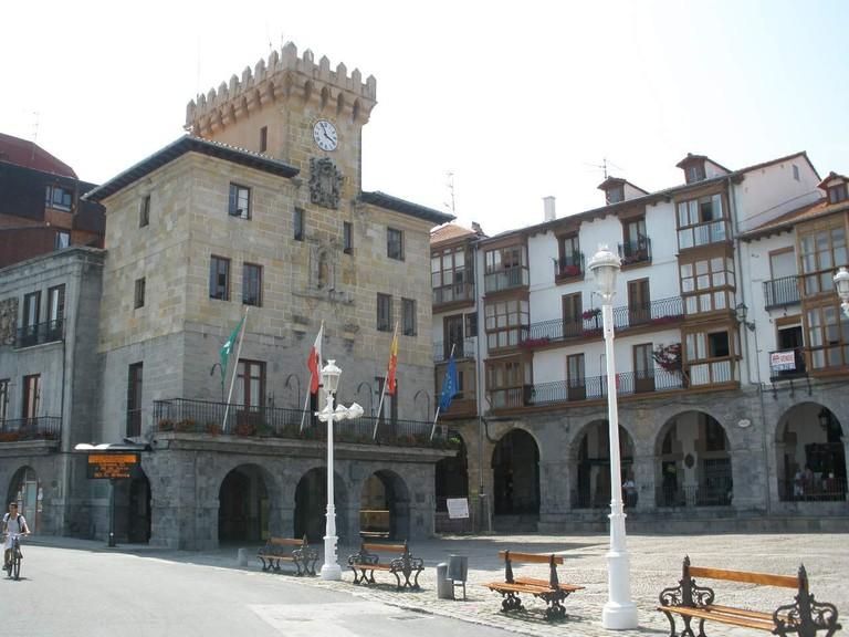 Castro-Urdiales_-_Ayuntamiento_4