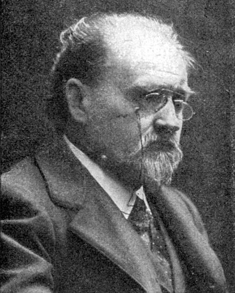 Emile Zola in 1905