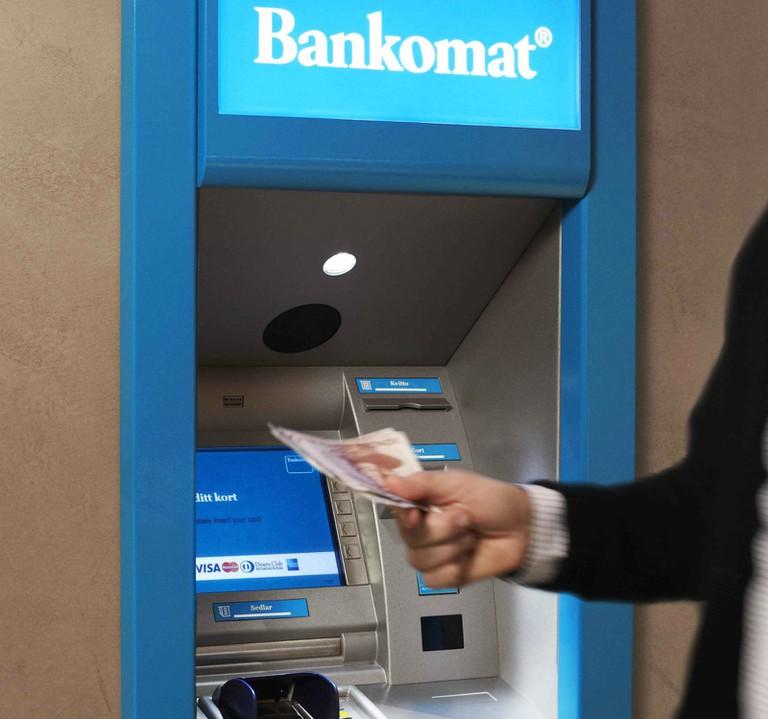 En_automat_från_Bankomat-1