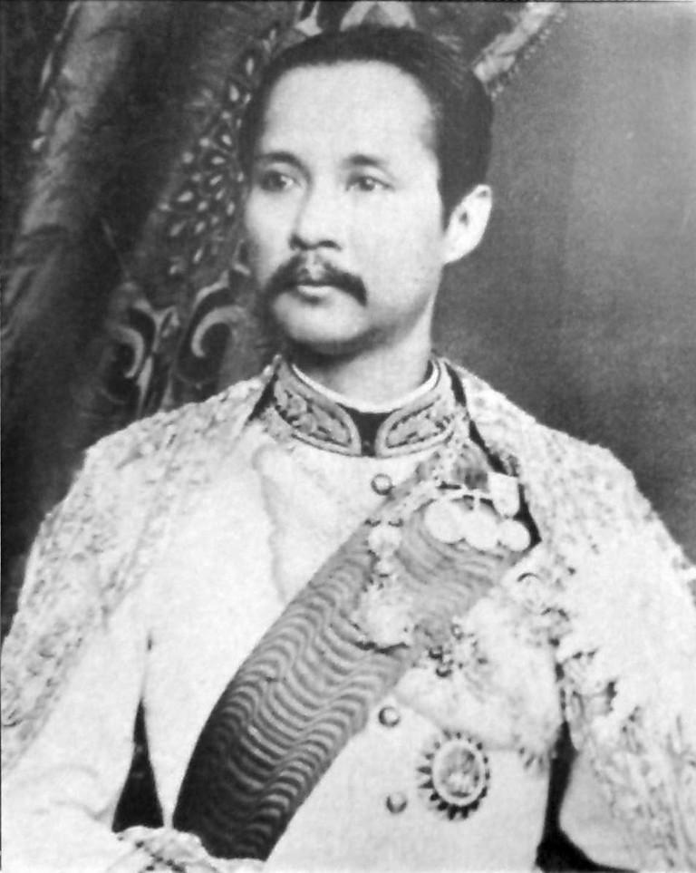 King_Chulalongkorn_portrait_photograph