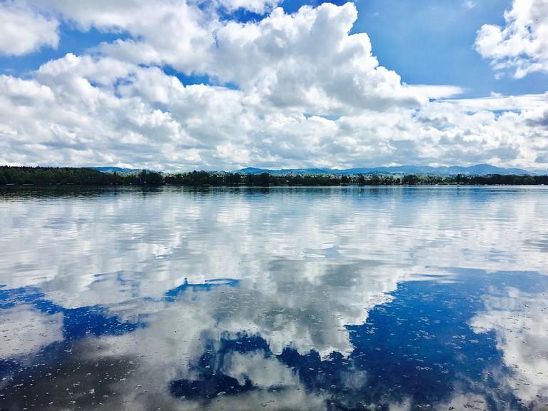 lake-2281838_1280