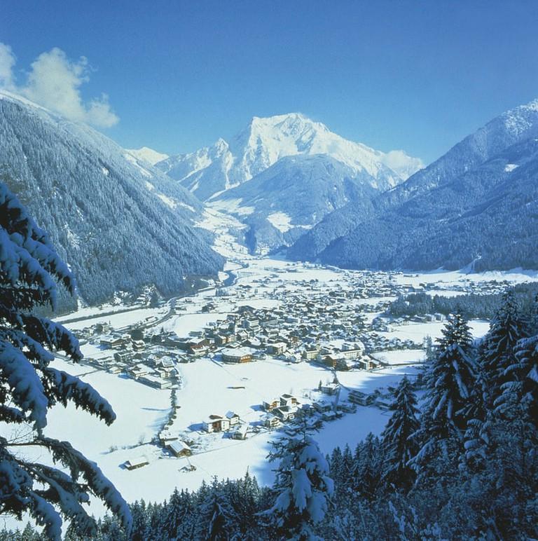 lowres_00000012333-mayrhofen-zillertal-valley-tyrol-oesterreich-werbung-Hruschka