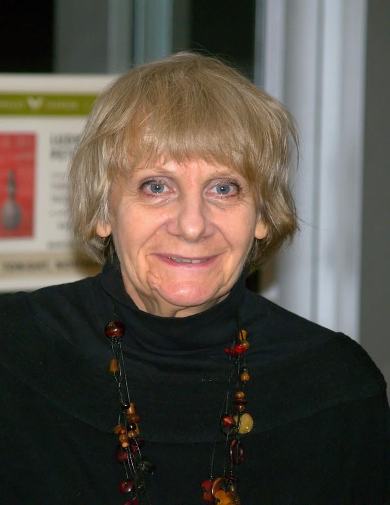 https://en.wikipedia.org/wiki/Lyudmila_Petrushevskaya#/media/File:Ludmilla_Petrushevskaya_seven_2009_Shankbone_NYC.jpg