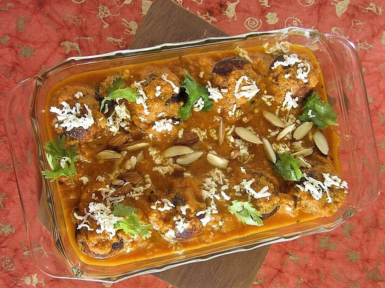 Malai_Kofta_Garnished_and_Ready_to_Eat_India
