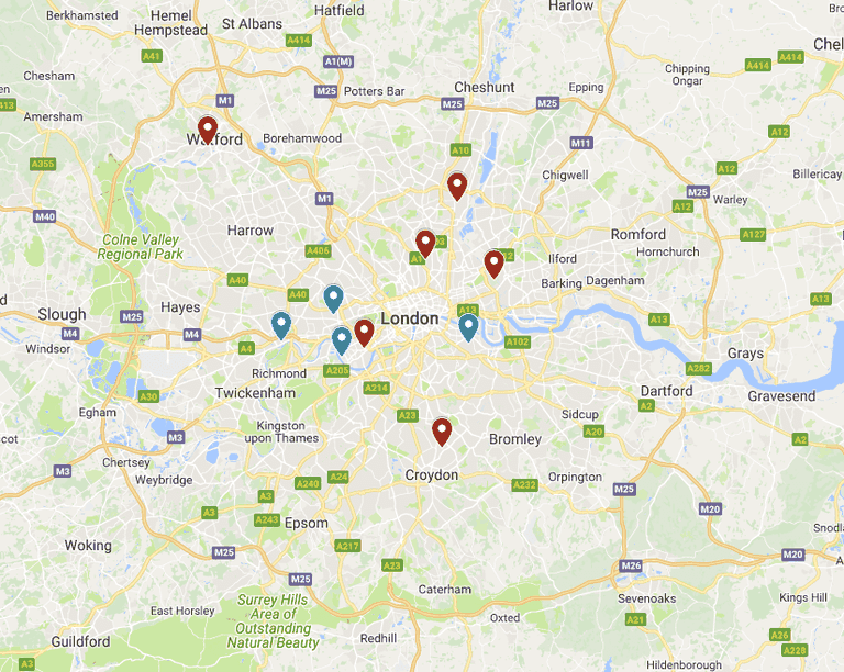 Map showing the 10 London football clubs in the Premier League (red) and Championship (blue)