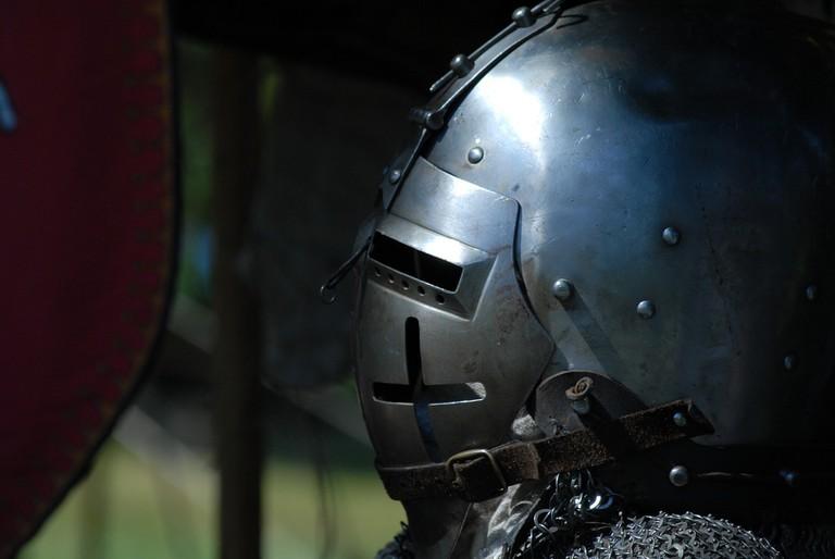 medieval-helmet-1052249_1280