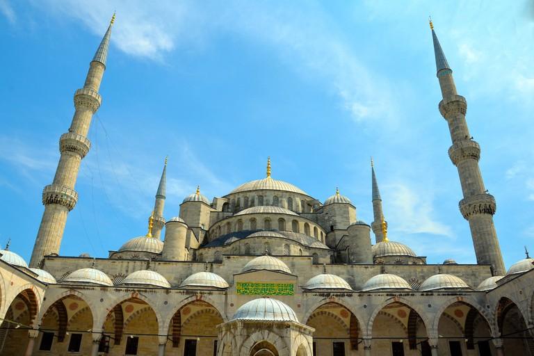 mosque-1466058_1920