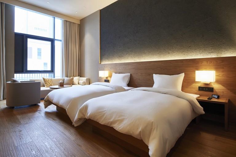 muji-hotel-shenzhen-interior_dezeen_2364_col_3-1704x1136