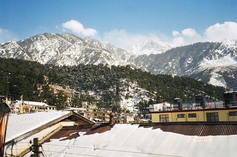 Panoramic_view_of_McLeod_Ganj_during_winters,_2005