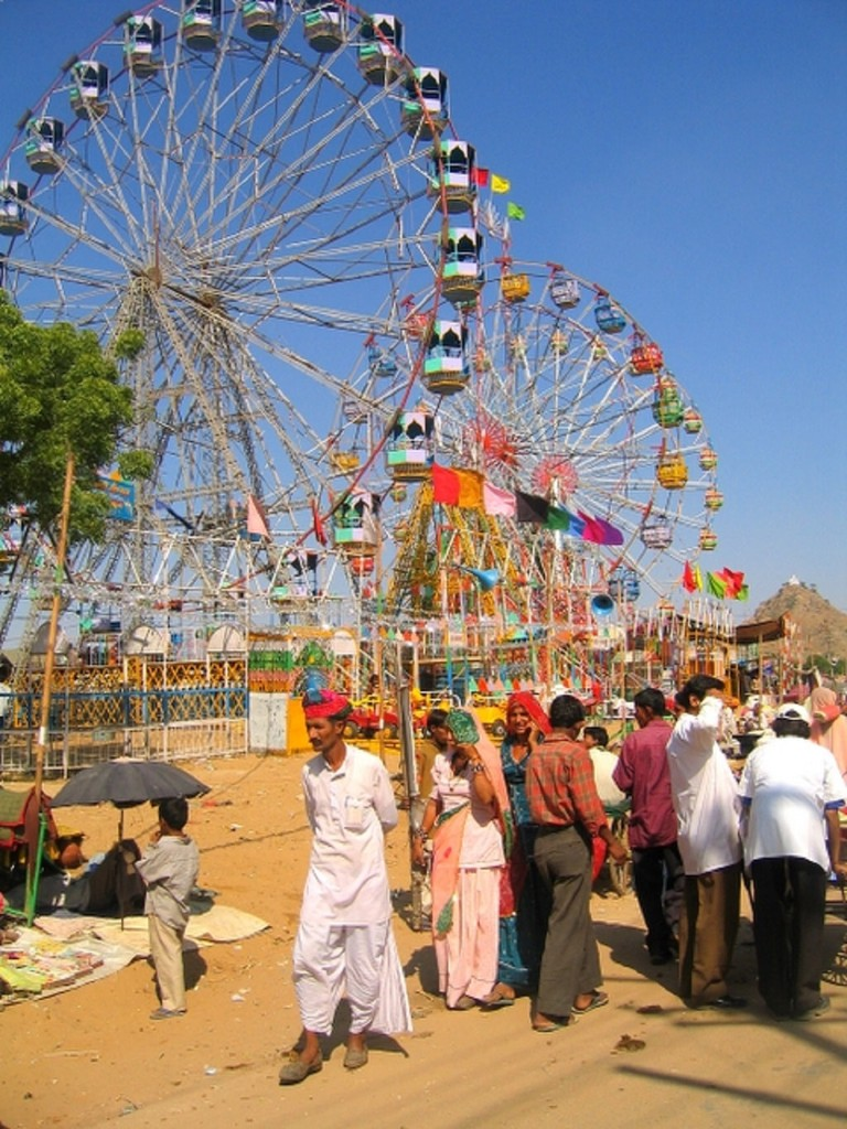 Giant wheels at Pushkar Fair