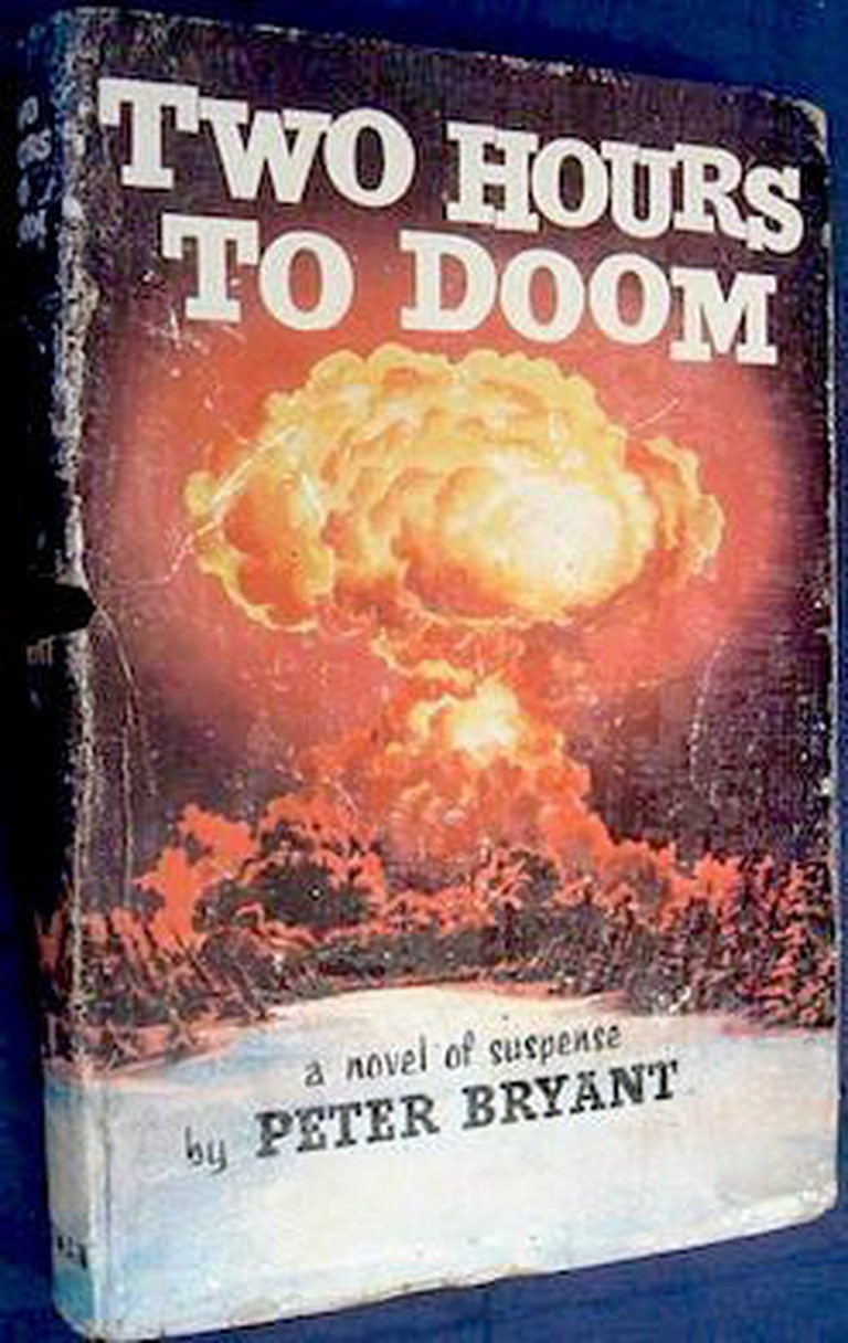 Red_alert_novel_two_hours_of_doom_1st_edition_1958