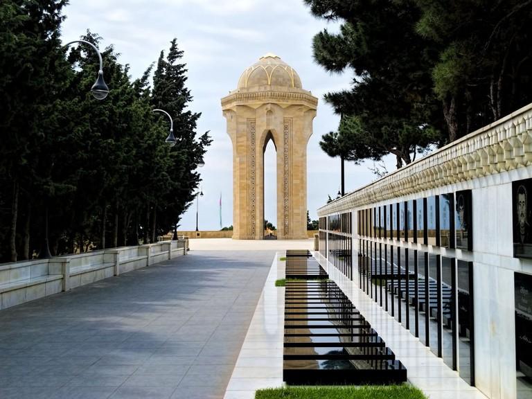 Martyrs' Alley and the Eternal Flame in Baku | © Dan Lundberg/Flickr