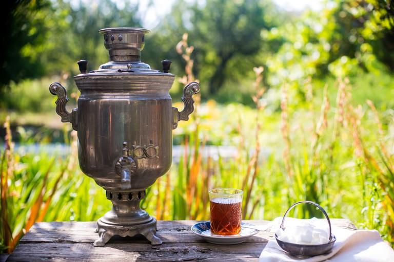 Azerbaijan tea served in a traditional Samovar | © Chinara Rasulova/Shutterstock