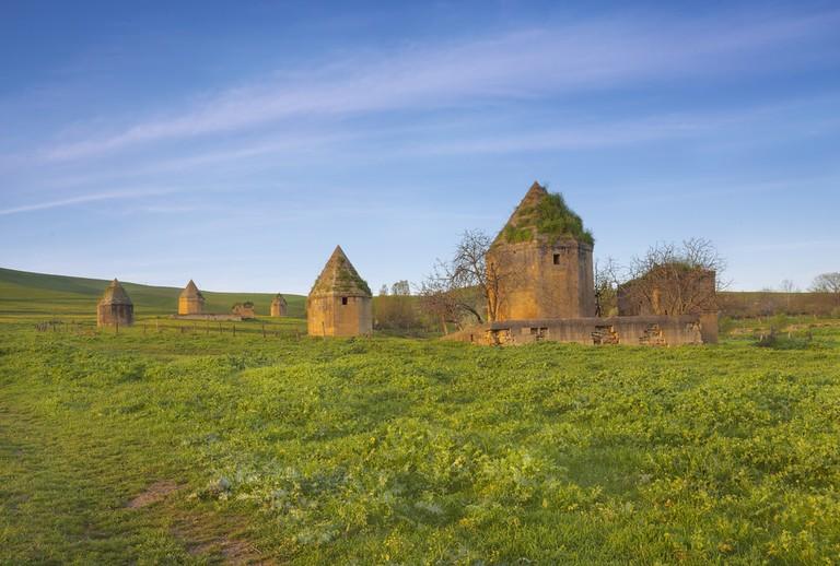 Tombs in Shamakhi | ©Lyokin/Shutterstock