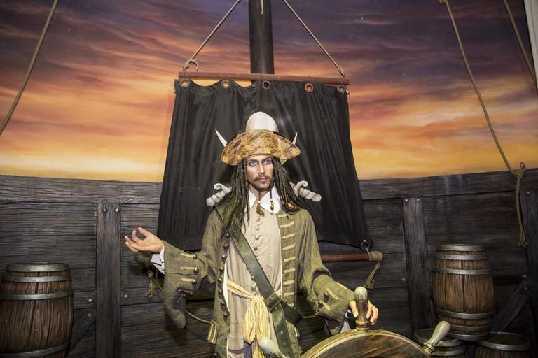 Captain Jack Sparrow steering with Zen | © Ovu0ng/Shutterstock