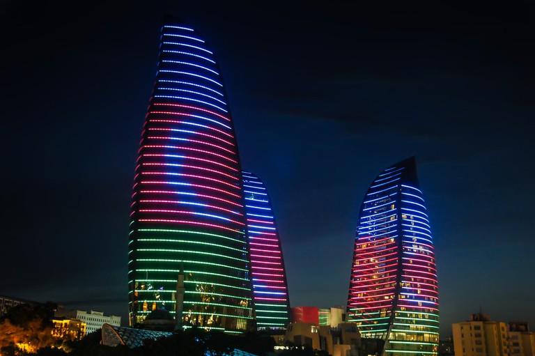Flame Towers lights on the night | © Kisov Boris/Shutterstock