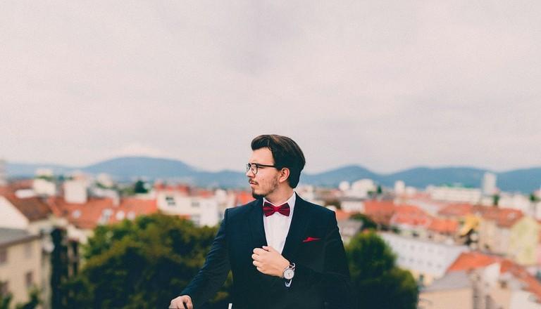 suit-691849_960_720