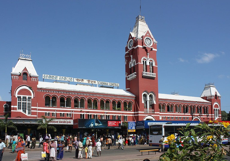 1024px-Chennai_train_station