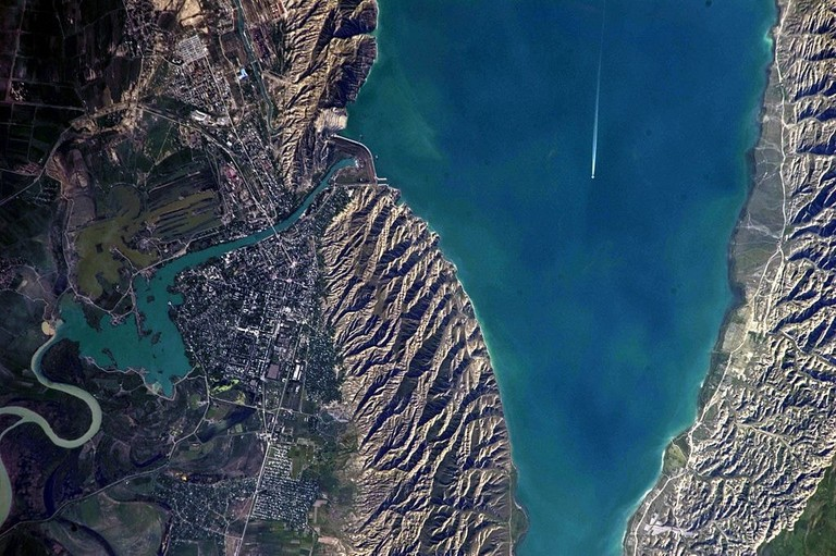 Satellite view of Mingachevir Reservoir | © NASA Earth Observatory/WikiCommons