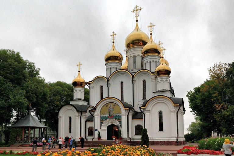 1024px-Pereslavl-Zalessky_Nikolsky_Monastery_Nikolsky_Cathedral_IMG_1122_1725