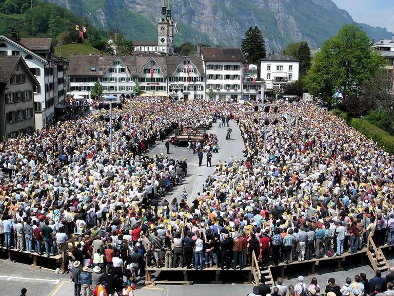1200px-Landsgemeinde_Glarus_2006