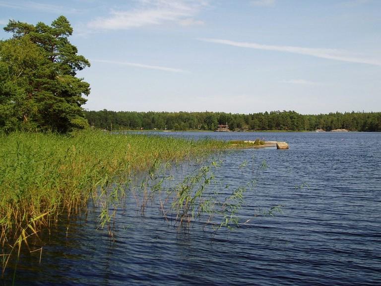 1280px-Drängsjön_Österåker (1)