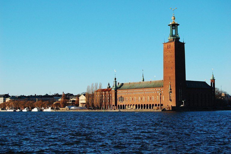 1280px-Stockholm_City_Hall_by_sunset