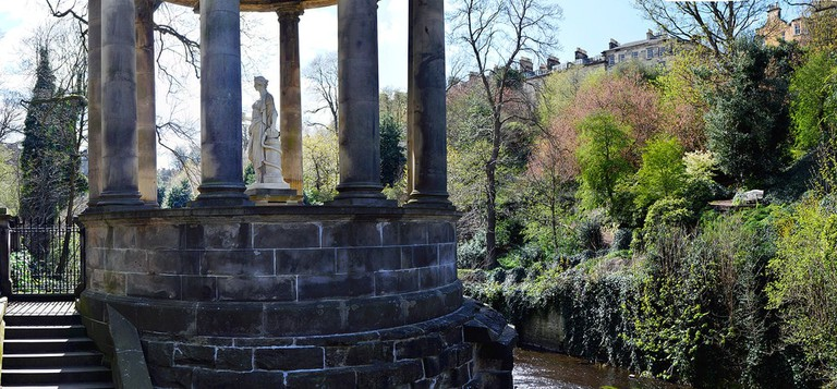 St. Bernard's Well | © stu smith / Flickr