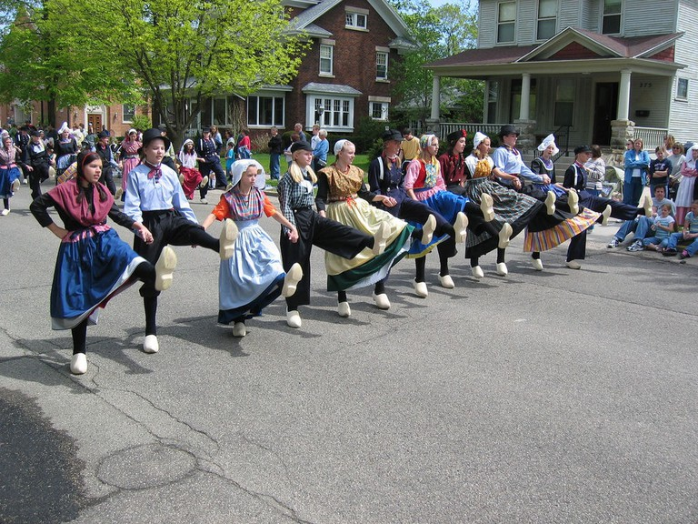 Klompen dancing at the Tulip Time Festival | © Michael Sprague/Flickr