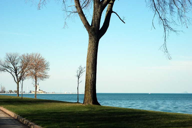 Lake St Clair from Lake Shore Drive | © Jeff Powers/Flickr