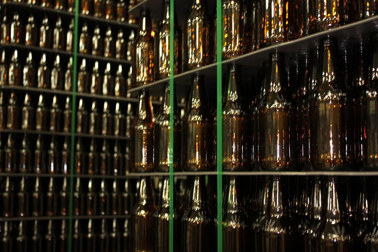 Bottles at Summit Brewing Company in St. Paul, MN | © urbanfoodie33/Flickr