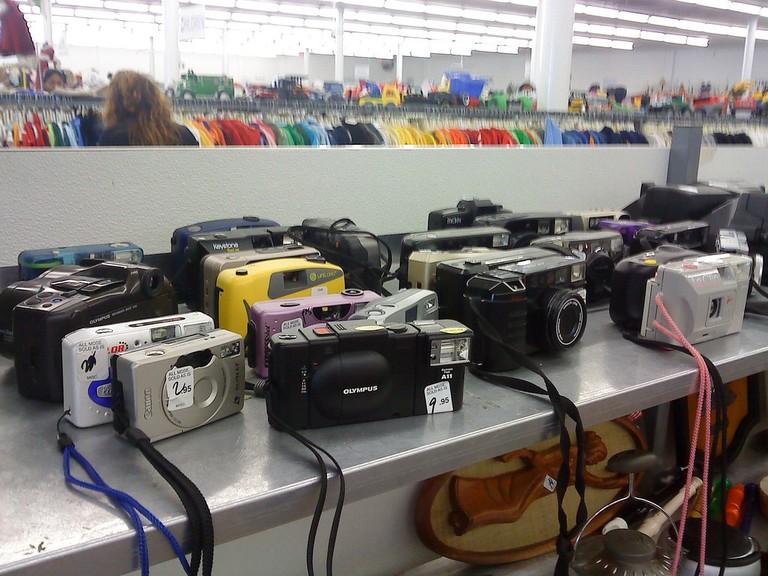 Thrift Stores's Camera Graveyard | © Phillip Pessar/Flickr
