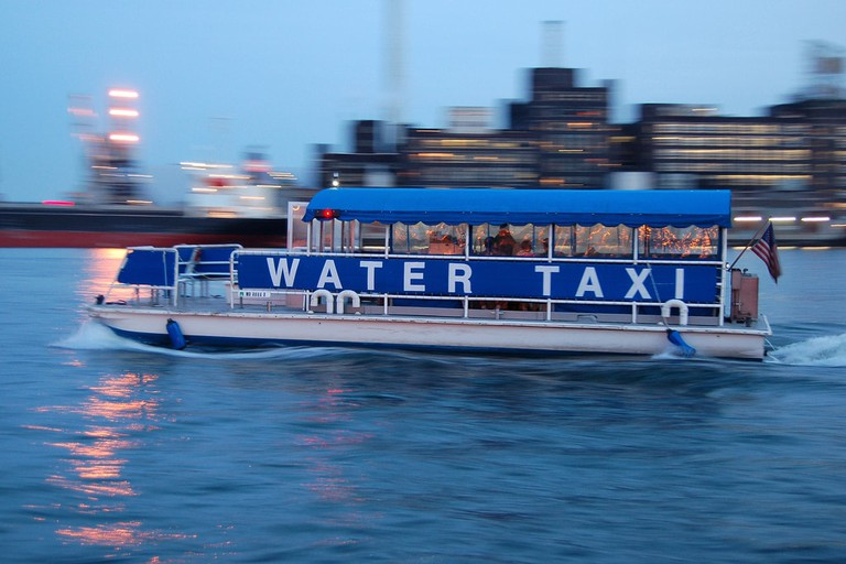 Baltimore Water Taxi |© Larry Lamsa/Flickr