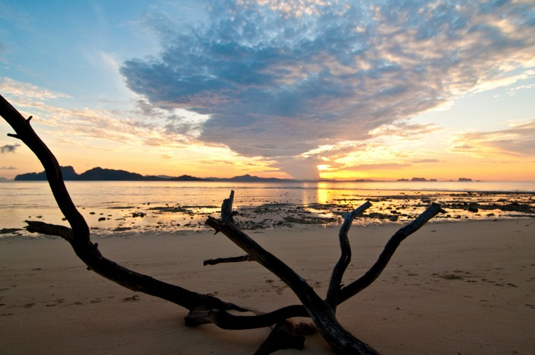 Sunrise over the sands of Koh Kradan, Thailand