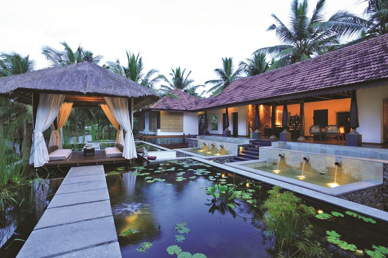 Unwind with a customized Ayurvedic experience at Niraamaya Retreats