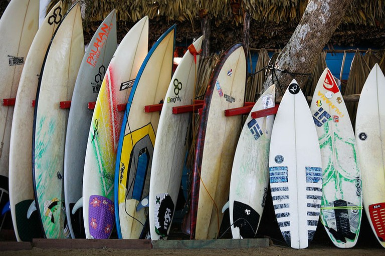 800px-The_Surfboards_(8422914814)