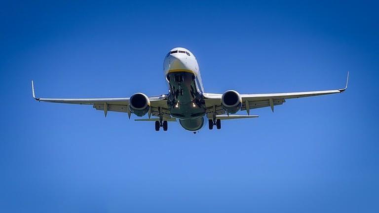 aircraft-3075056_640