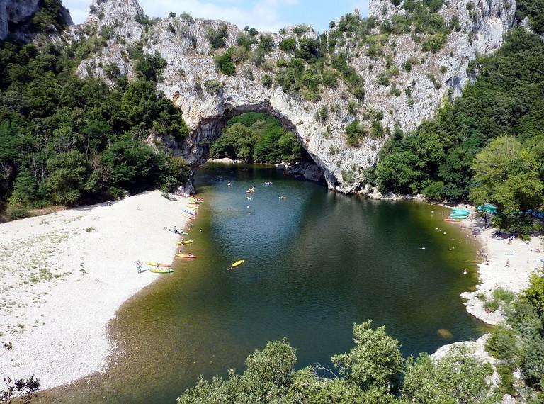 Kayaking in Pont d'Arc in Ardèche