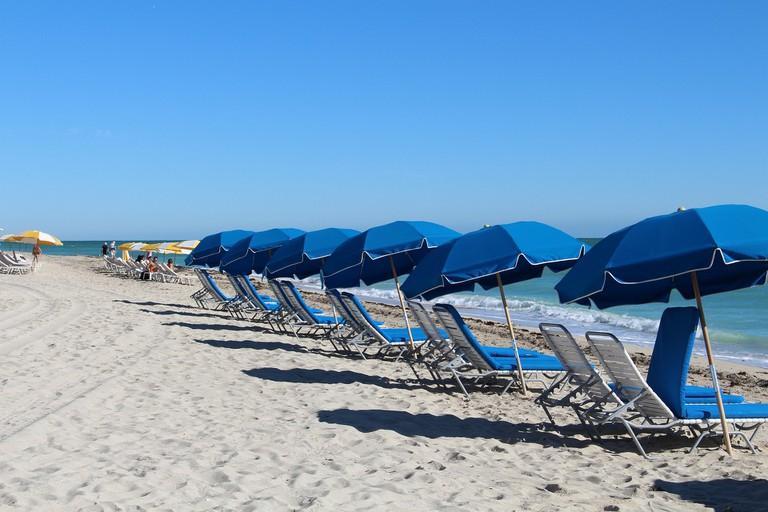 beach-588001_1920