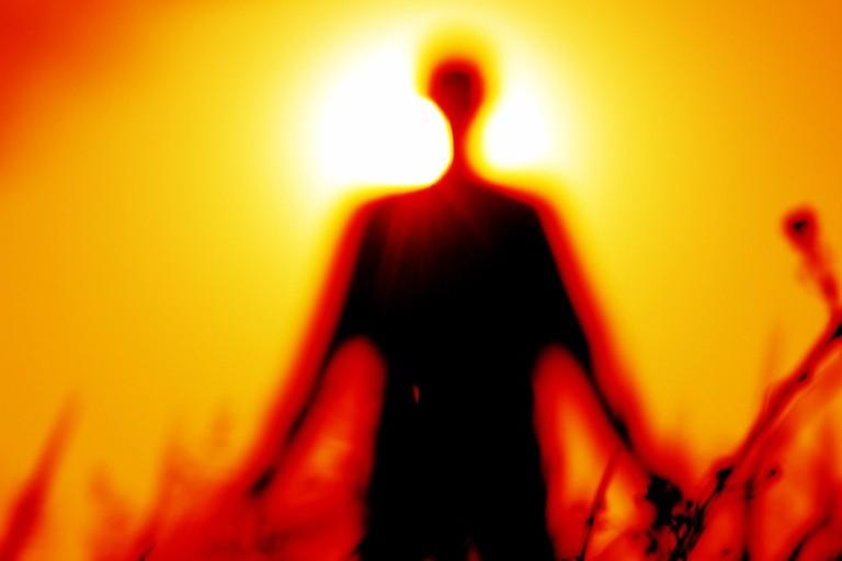 https://pixabay.com/en/silhouette-blur-red-focus-sun-1304141/
